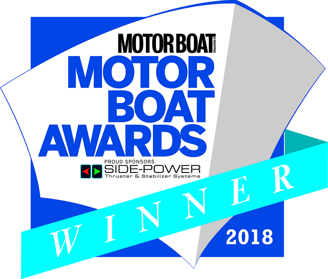 BOSTON WHALER 420 OUTRAGE EARNS 2018 MOTOR BOAT AWARD IN PRESTIGIOUS SUPERBOATS CATEGORY